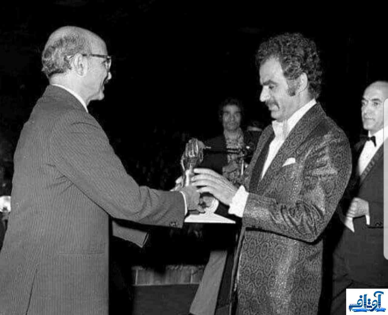 جایزه ناصر ملک مطیعی,دزدیده شدن جایزه ناصر ملک مطیعی